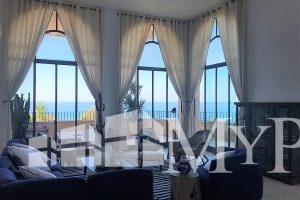 בשכונה המרונית ביפו דירת גן ענקית עם נוף לים