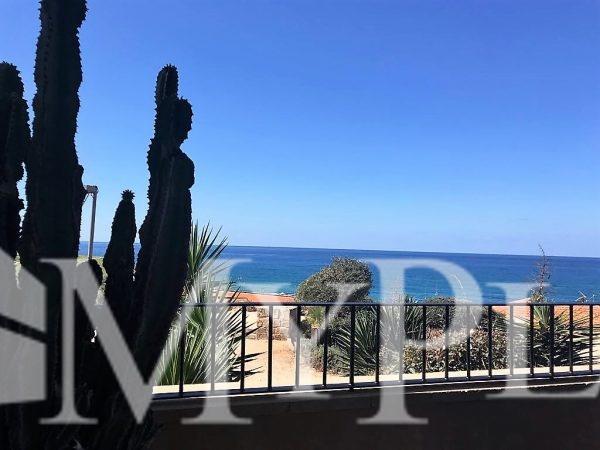 בשכונה המרונית ביפו דירת גן ענקית עם נוף לים 2