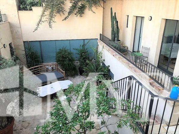 בשכונה המרונית ביפו דירת גן ענקית עם נוף לים 5