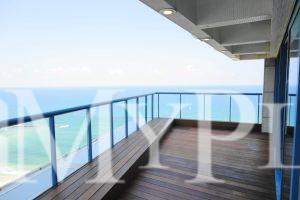 פנטהאוס מדהים עם נוף מלא לים