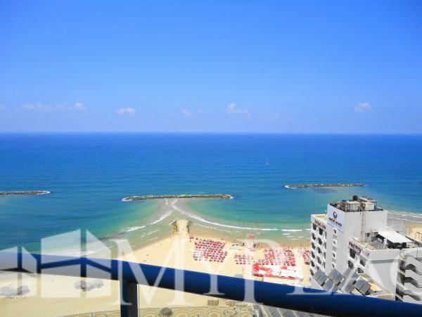 פנטהאוס מדהים עם נוף מלא לים 2