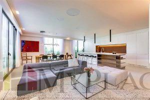 בפרויקט פיטמן דירת 3 חדרים משופצת עם מעלית וחנייה
