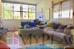 ברחוב מאנה דירת אופי בת 3.5 חדרים עם מרפסת שמש