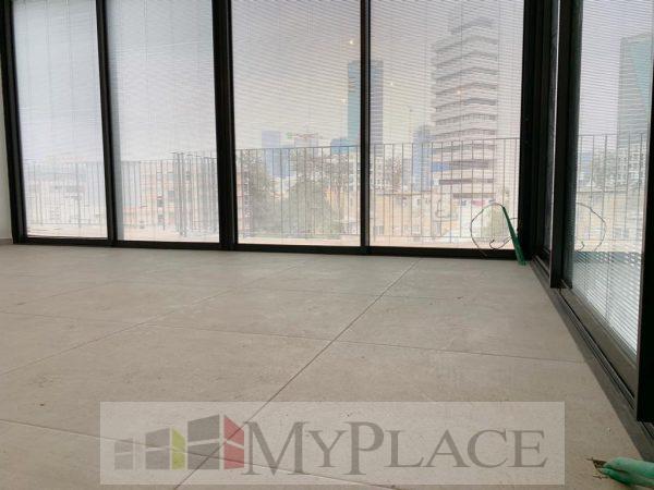 À Levontin, un nouveau mini-penthouse dans un immeuble éclectique! 6