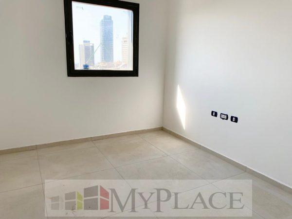 À Levontin, un nouveau mini-penthouse dans un immeuble éclectique! 11