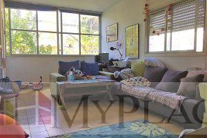 ברחוב מאנה דירת אופי 3 חדרים עם מרפסת שמש