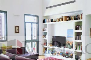 בפאתי השוק היווני דירת 3 חדרים עם מעלית חניה ומרפסת