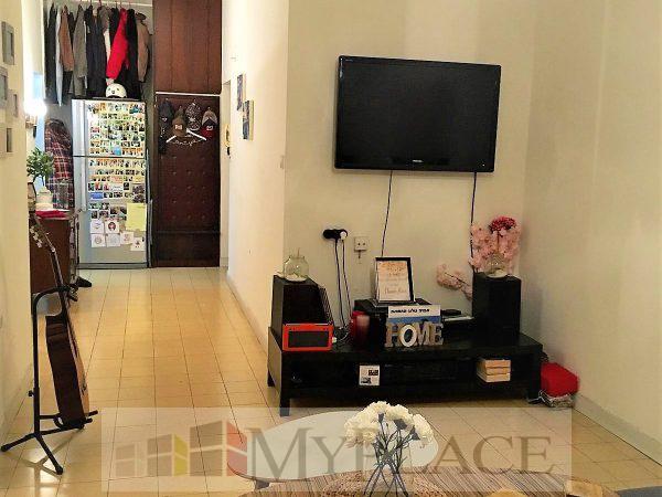 בקרבת כיכר רבין דירת דירת 2 חדרים עם חניה 3