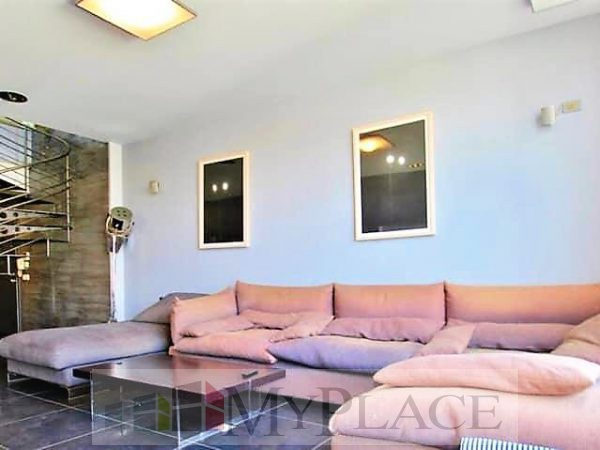 In the vicinity of Hamedina Square an open-view penthouse. 1