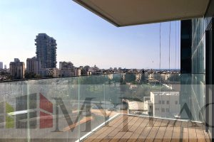 A gorgeous apartment with an open view in the park bavli