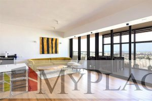 In the gymnasia Tower an apartment on a high floor with an open view