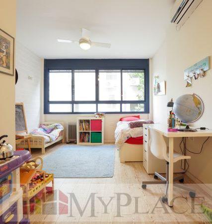 בקרבת יהודה המכבי דירת 4 חדרים משופצת עם מעלית וחניה 4