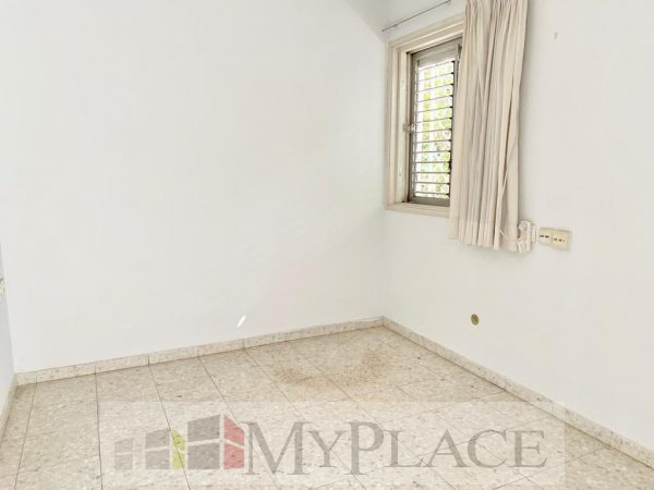 Apartment 100 Mr with a garden view on Beeri Street wanted 7
