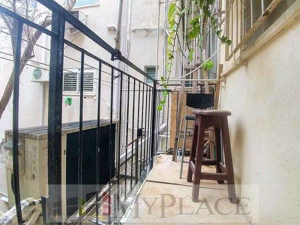 במרכז העיר ברחוב שקט דירת 3.5 חדרים עם מעלית ומרפסת 3