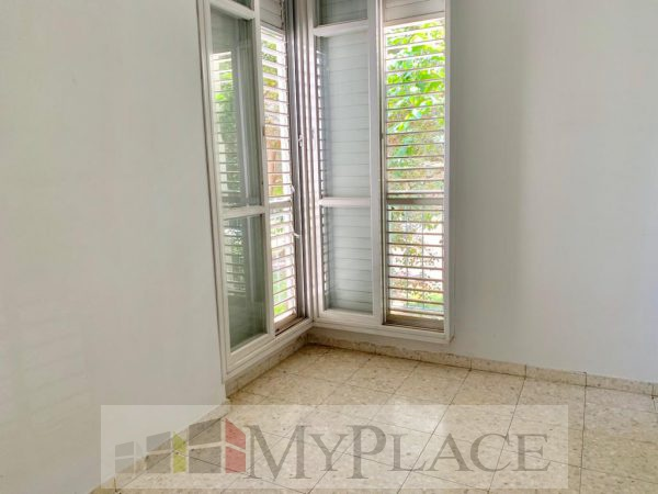 Apartment 100 Mr with a garden view on Beeri Street wanted 8