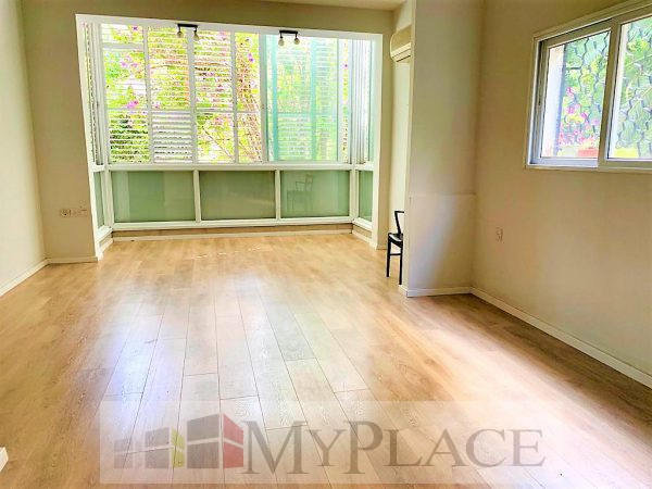 ברחוב מאנה דירת 2 חדרים עם מרפסת לנוף ירוק 1