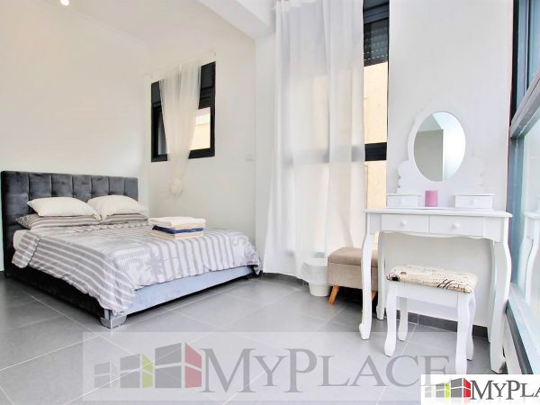 Renovated building three-bedroom with elevator and garage In the vicinity of the sea 3