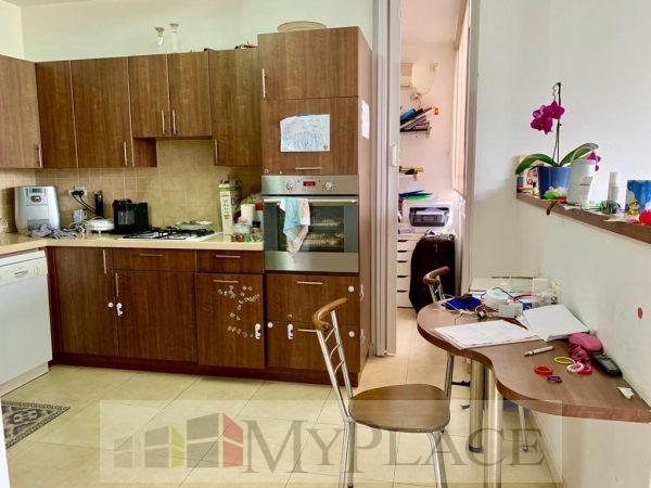 ברחוב בארי המבוקש דירה עם מעלית וחניה בטאבו 3