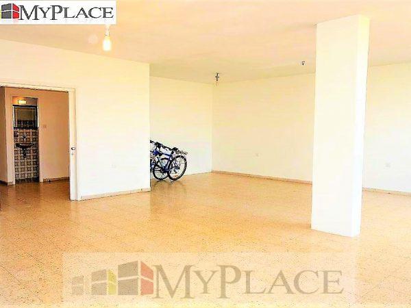 בכיכר המדינה דירה ענקית עם מעלית וחניה 4