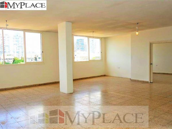 In the Hamedina Square a huge apartment with a lift and a parking lot 2