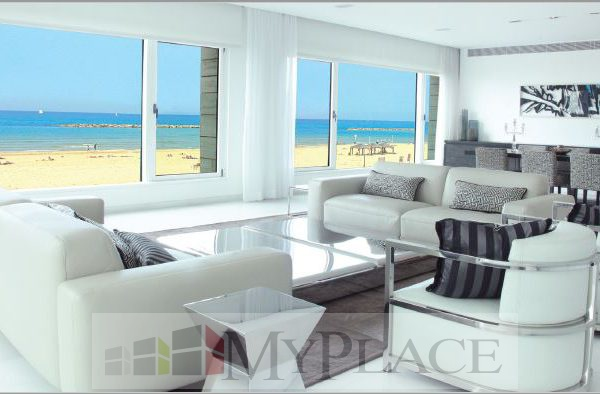 A luxury Apartment with an amazing view of the sea 1