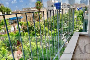 In the vicinity of Rabin Square, a three-bedroom apartment with an elevator terrace and a parking lot.