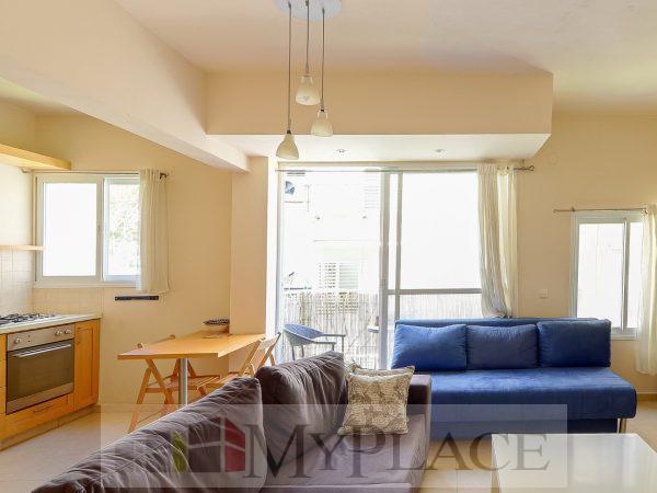 ברחוב שקט וירוק דירת 3 חדרים משופצת עם מרפסת שמש 1