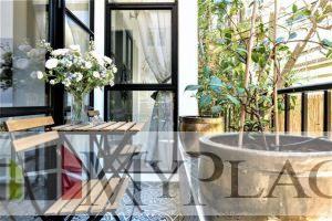 In the vicinity of the sea a 3-bedroom apartment is being renovated architecturally