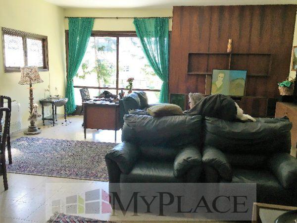 בשדרה ירוקה בצפון הישן דירת 4 חדרים עם מעלית ומרפסת 3