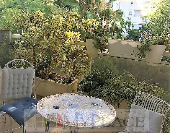 A huge apartment with an elevator terrace and a parking lot in the posh Bavli 1