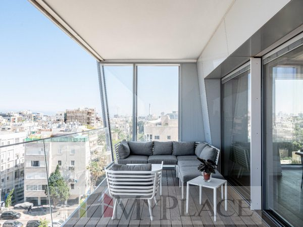 At the Arlozorov Tower A huge luxury apartment 1