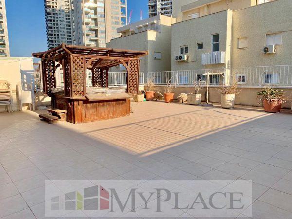 A huge Duplex near Hamedina Square. 2
