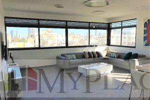 In the heart of the city in a building after renovating a renovated apartment
