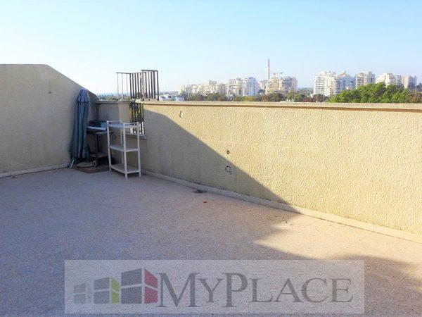 A Duplex near Yarkon Park. 3