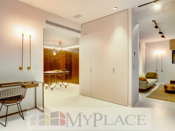 On the HaShoftim street requested a renovated, architectural-designed apartment 5