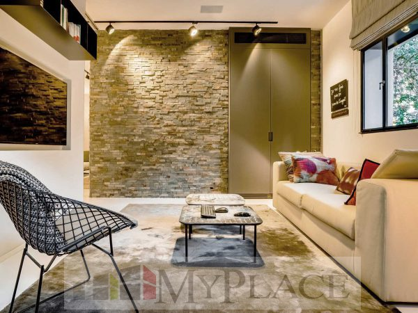 On the HaShoftim street requested a renovated, architectural-designed apartment 4