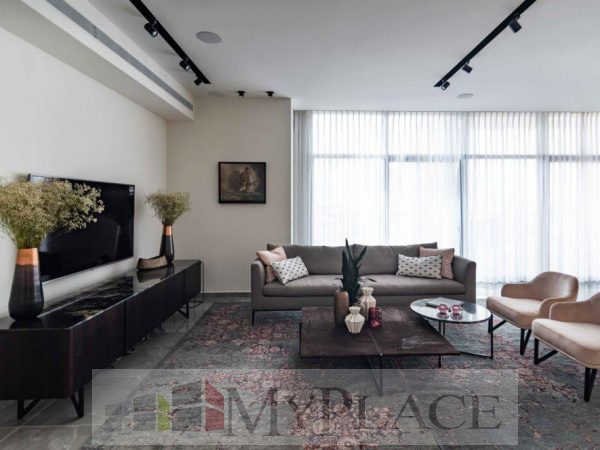 Stunning penthouse on project Bezalel 4