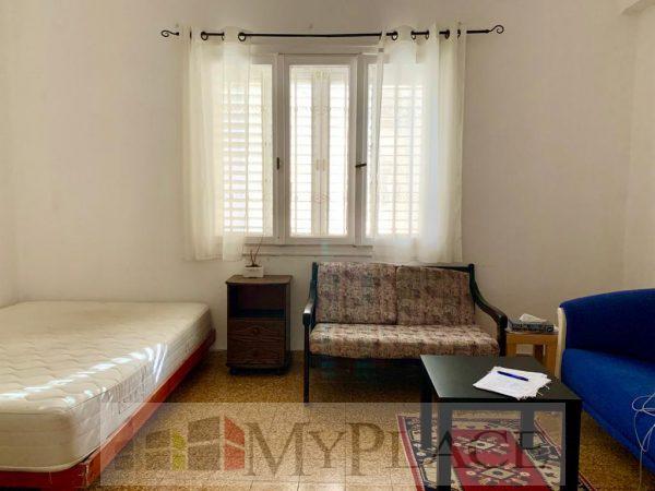 בסמטת נס ציונה דירה בבניין באוהאוס 4