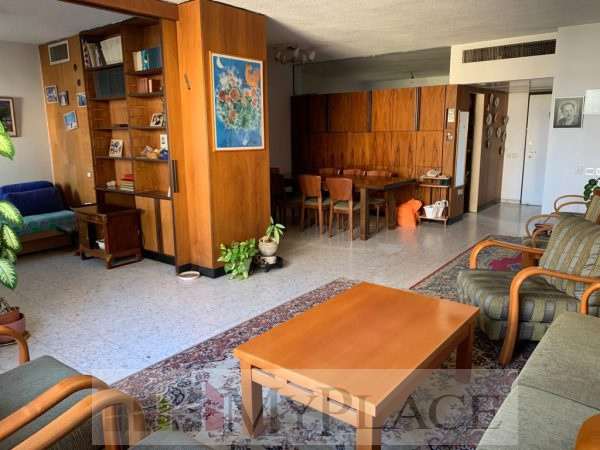 In Ahavat zion an apartment with an elevator and parking 2