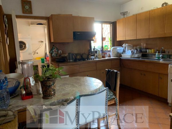 In Ahavat zion an apartment with an elevator and parking 3
