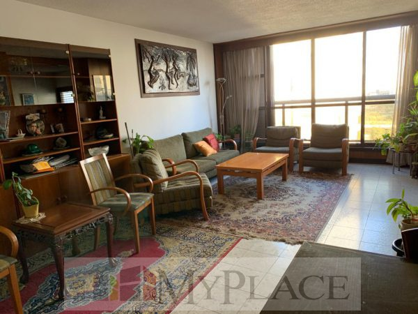 In Ahavat zion an apartment with an elevator and parking 1