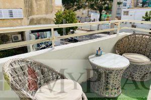 An apartment with a balcony on Sirkin Street.