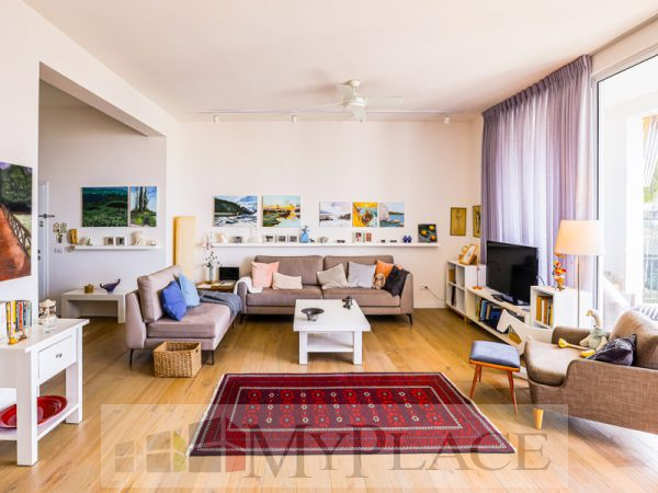 A renovated apartment with a Green View Terrace on Sderot Chen 2