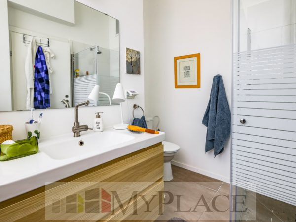 A renovated apartment with a Green View Terrace on Sderot Chen 7