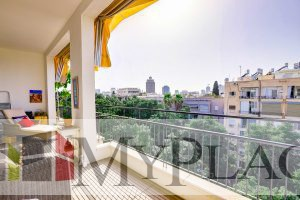 A renovated apartment with a Green View Terrace on Sderot Chen