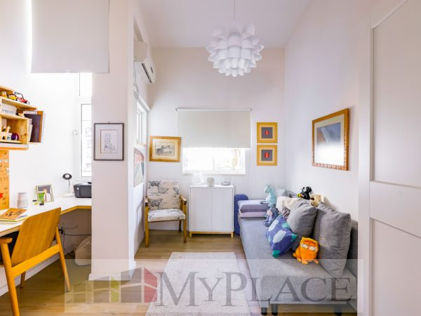 A renovated apartment with a Green View Terrace on Sderot Chen 5