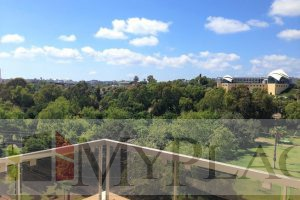A duplex with a view of the Yarkon Park.