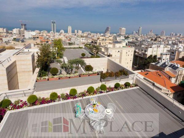 ברובע לב העיר דירת גג עם נוף מטריף 1