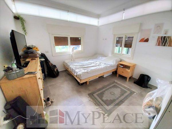 A Garden Apartment In Yosef Eliyahu 6