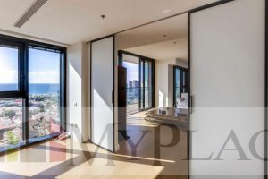 A huge apartment with a panoramic view of the sea in a tower at Neve Tzedek